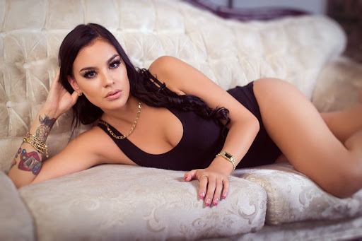 Meet all your physical and mental needs with Denver escorts!