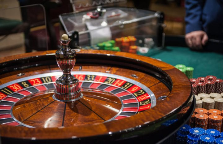 Benefits and Drawbacks Of Playing Online Poker Video Game
